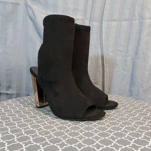 💛 Bamboo black and rose gold heels size 7